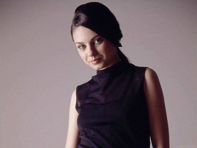 Mila Kunis Latest Actress Wallpaper-02-1600x1200
