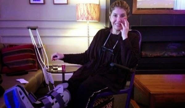 صورة : تعرض هالة سرحان لكسر يجبرها على الجلوس على كرسي متحرك, أخبار هالة سرحان, صور هالة سرحان,
