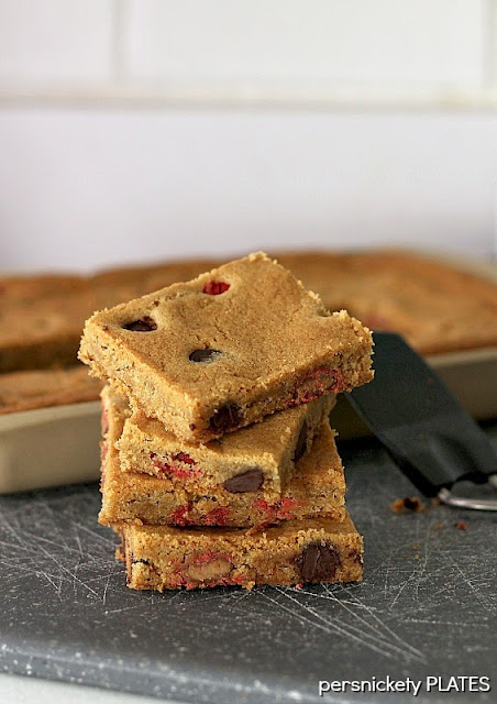 Persnickety Plates: Coconut Oil Cookie Bars with Dark Chocolate Chips & Peanut Butter M&Ms