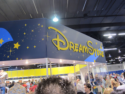 D23 Expo 2011 & Live Auction - Toute sur l'actu de l'expo ! - Page 2 IMG_4003