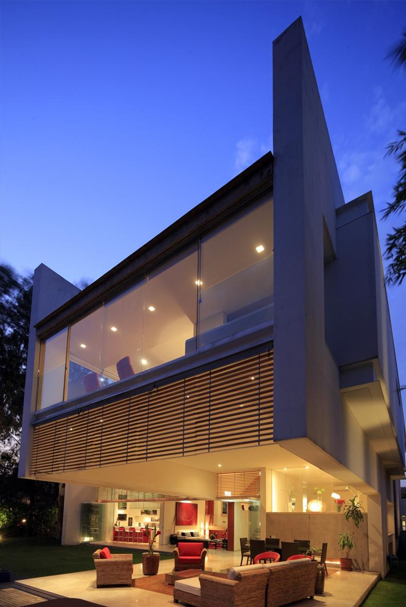Terrace of Godoy House by Hernandez Silva Arquitectos in Mexico