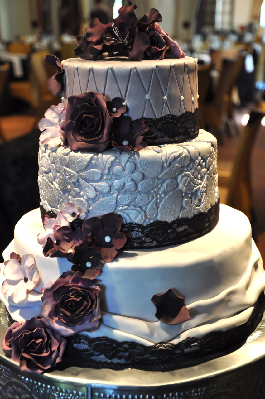 Rozanne\'s Cakes: Purple and silver wedding cake
