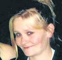 Natasha Harris mati akibat sakit jantung yang disebabkan oleh terlalu banyak minum Coca Cola sebanyak 8 - 10 liter sehari.