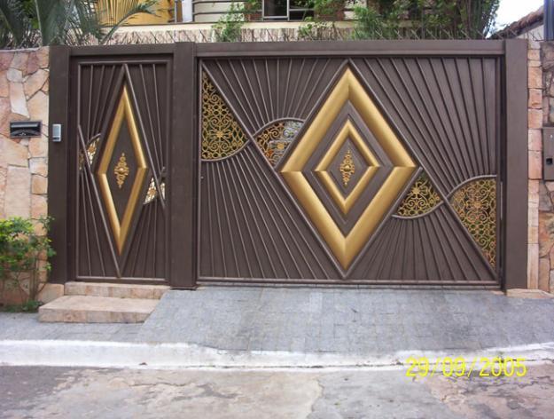 002-  Portão  DE CHAPA DESIGNE DIFERENCIADO