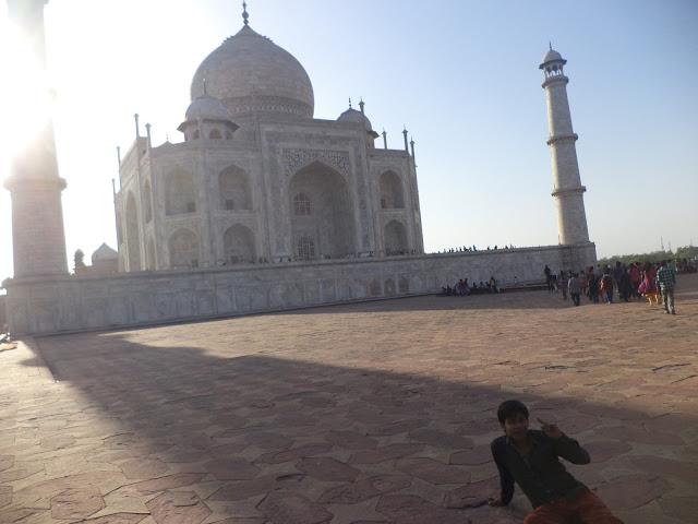 Taj Mahal Side View Pic