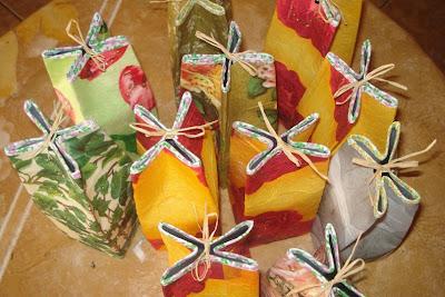 embrulhos e sacolas para presentes Cai16