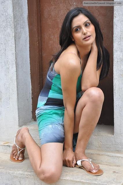 latest cute photos of Gauri Sharma