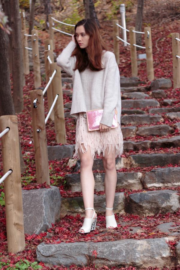 sequinned dress, fringe dress, oversized sweater, oversized knit, peep toe wedges, zara, fall fashion, autumn fashion,cozy fashion, romantic fashion, korean fashion, blush, nude