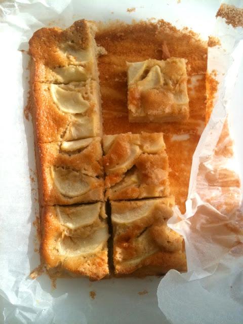 Holenderskie ciasto z jabłkami