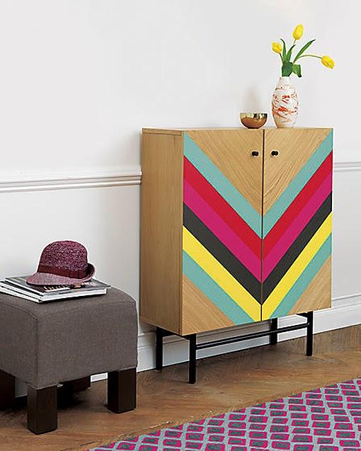 Puerta al sur vuelve la pintura decorativa en muebles for Pintura decorativa muebles