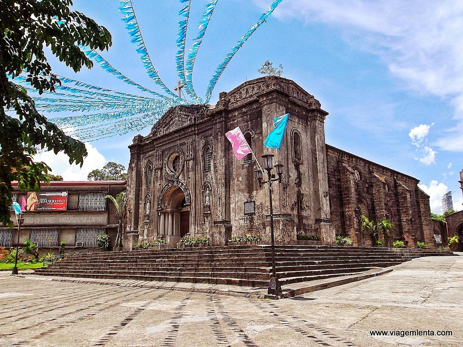 Relato de viagem a região metropolitana de Manila e a área Intramuros e bairro Guadalupe e à praia de Anilao, nas Filipinas.