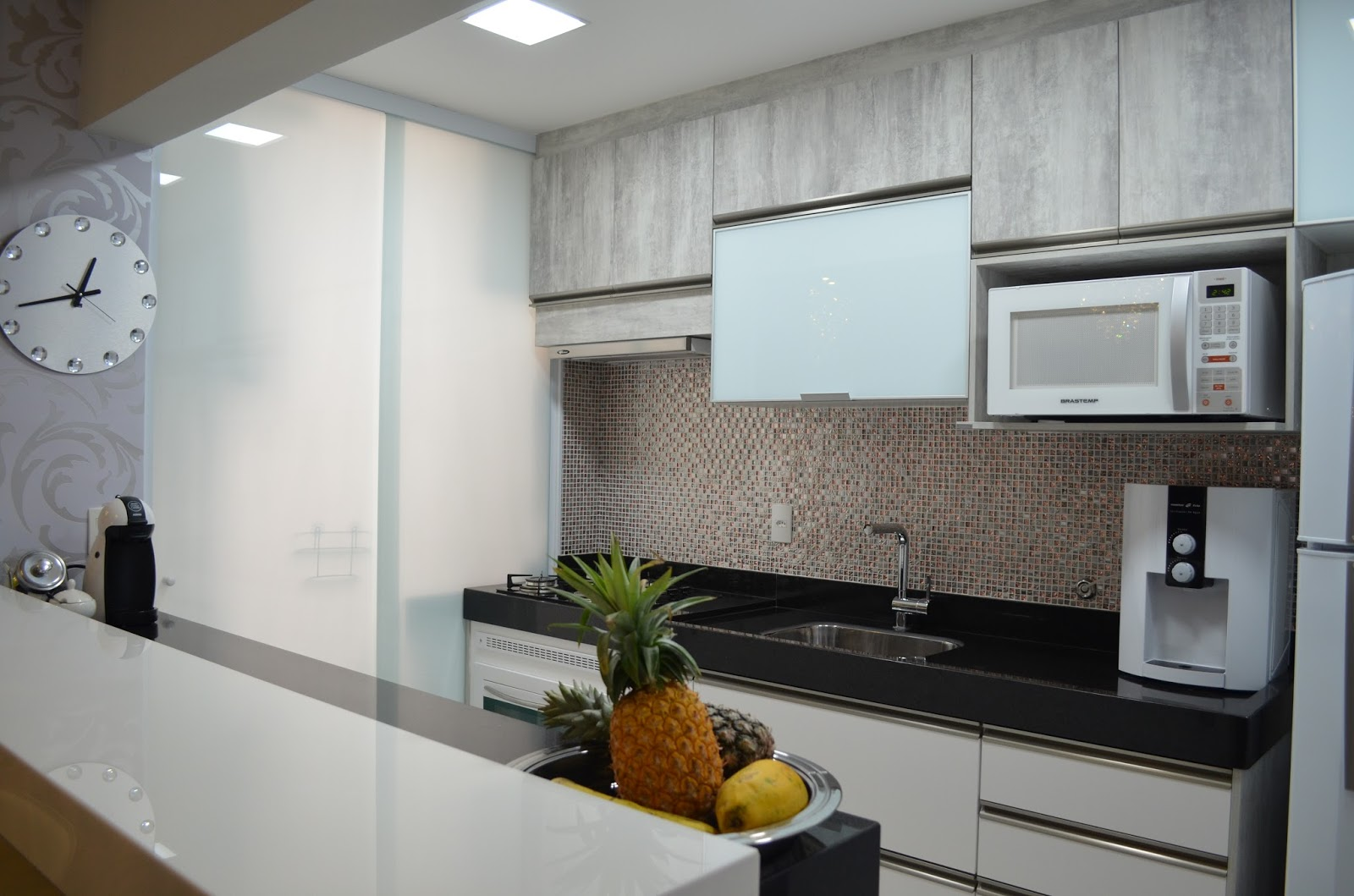 Construindo Minha Casa Clean: 50 Cozinhas Pequenas de Corredor Veja  #5E4730 1600 1059