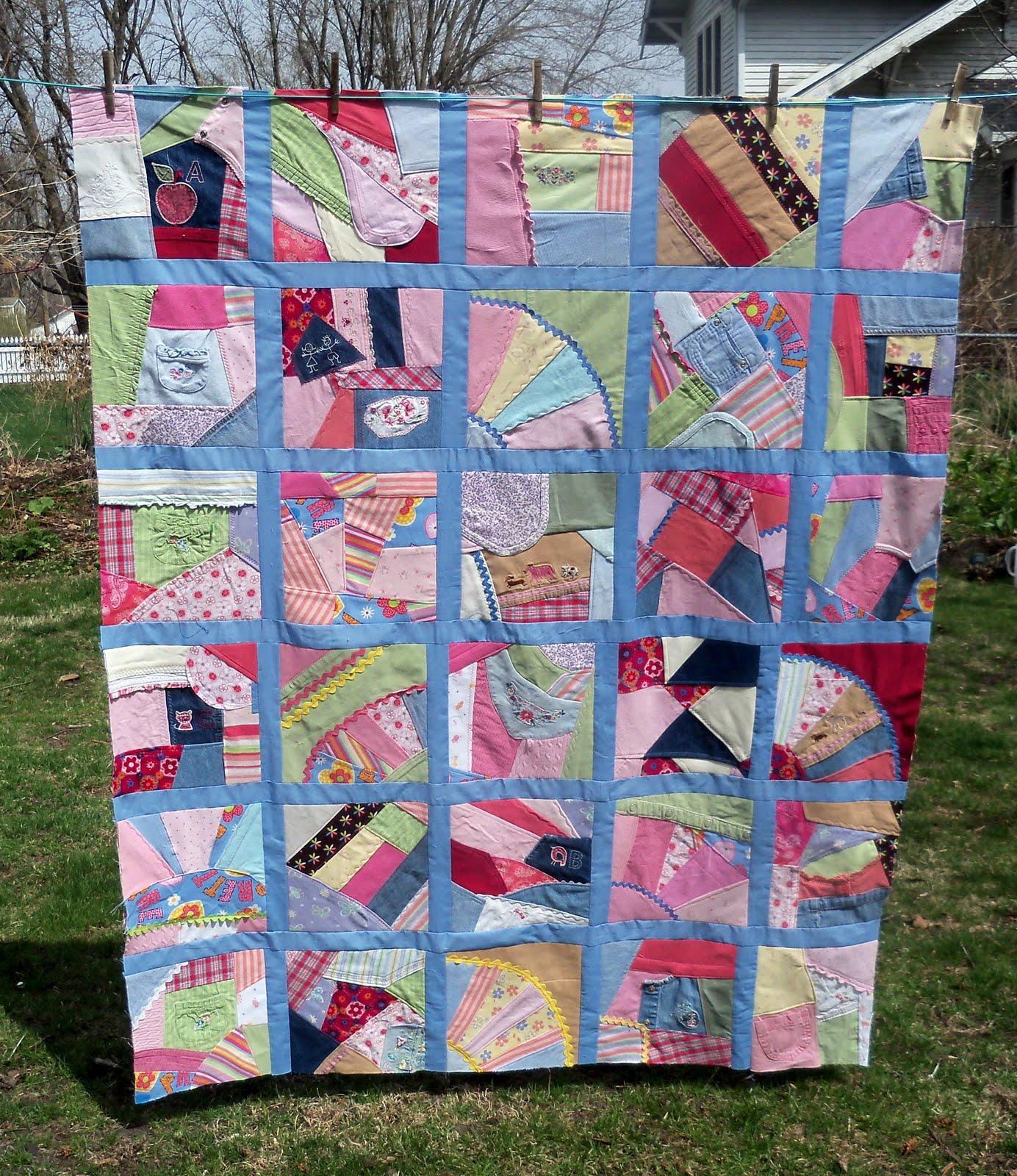 Sewn: Crazy Quilt Along #8 - Sashing : crazy quilt pictures - Adamdwight.com