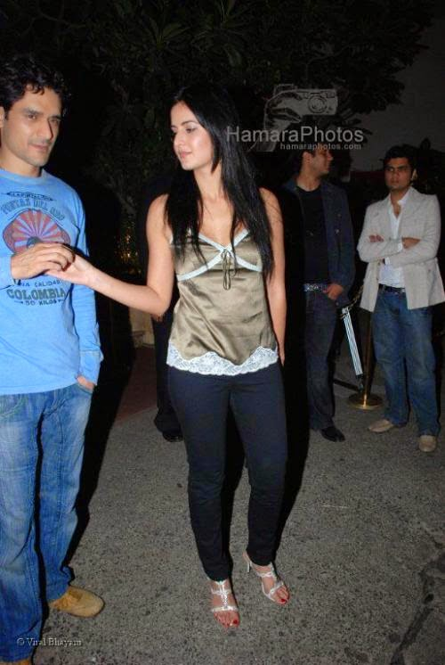 Katrina Kaif at Bollyood A listers at DJ Aqeels new club Bling launch in Hotel Leela on Jan 27 2008