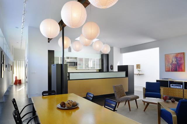 Modernes Case Study Haus kombiniert mit Mid Century Design