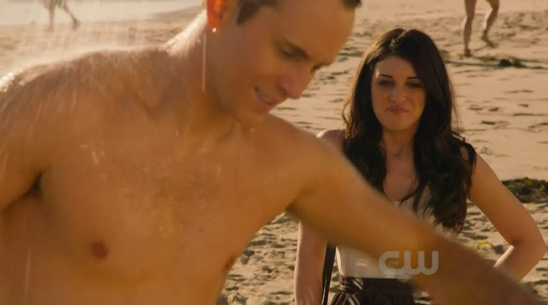 Robert Hoffman Shirtless in 90210 s4e20
