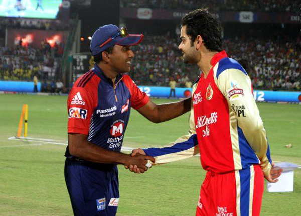Mahela-Jayawardene-and-Virat-Kohli