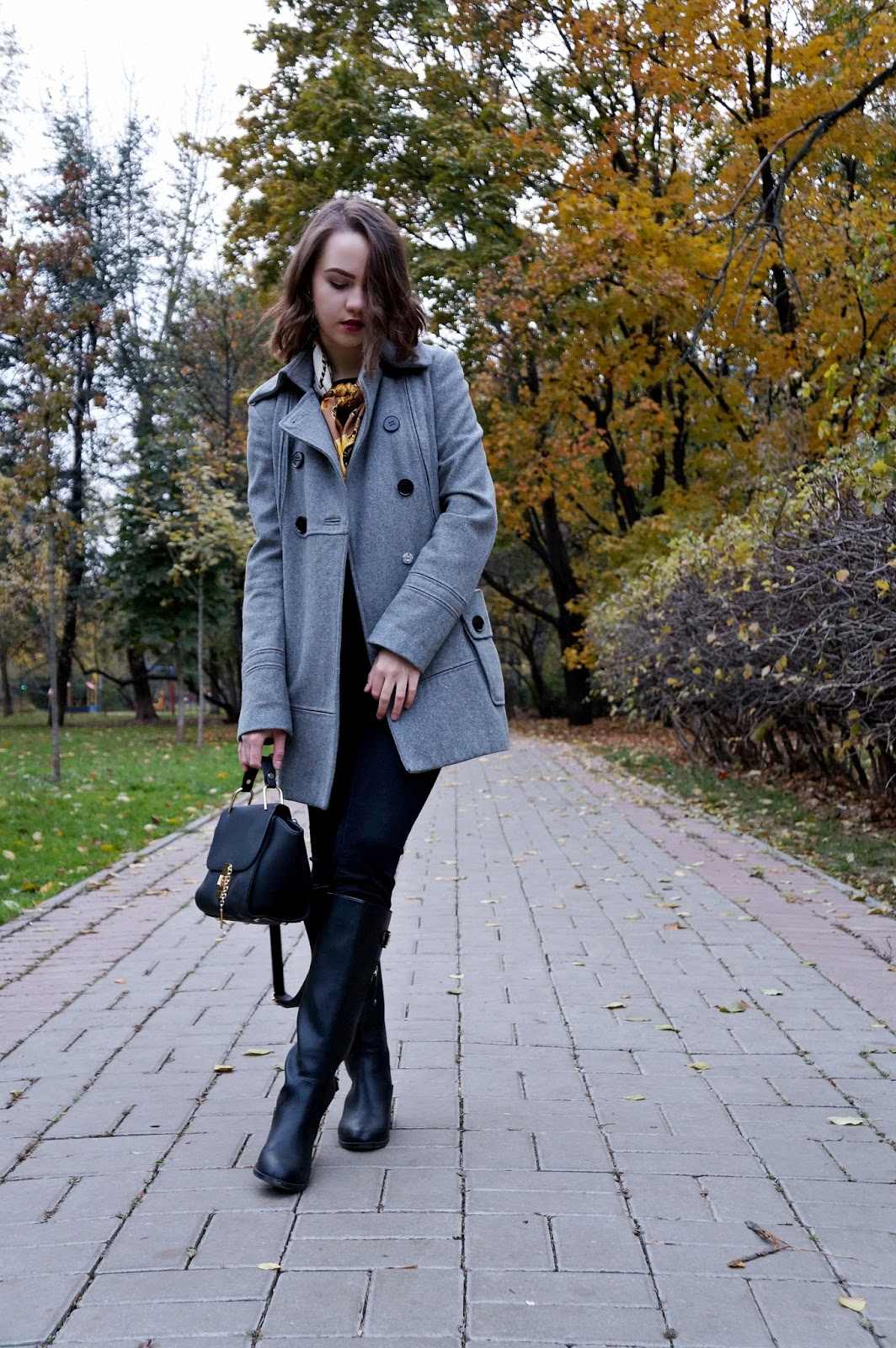 Grey coat | Fashion blogger | Alina Ermilova | Winter outfit