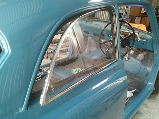 Rear side window fitted - Volvo Amazon 1969