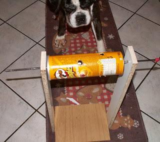 Ivy am Hunde-Intelligenzspielzeug-Rollenspiel
