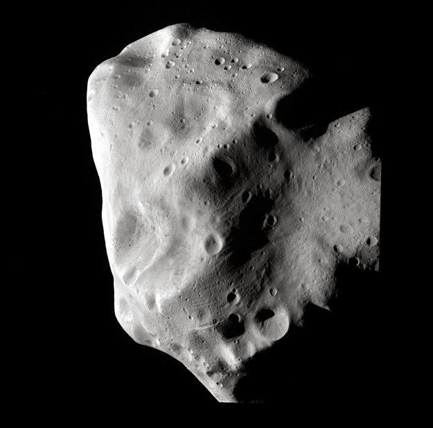 Астероид Лютеция — «строительный материал», оставшийся со времен формирования Солнечной системы
