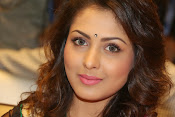 Madhu Shalini gorgeous looking photos-thumbnail-18