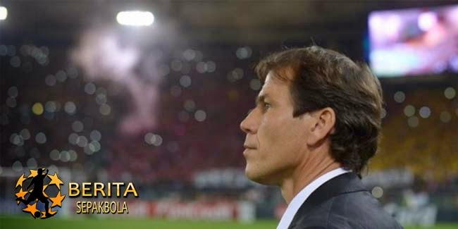 Garcia: Sepak Bola Butuh Teknologi Garis Gawang