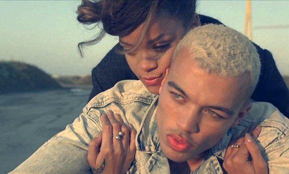 Gambar Rihanna Dalam Lagu We Found Love Diharamkan di Perancis