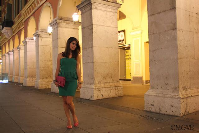 diana dazzling, fashion blogger, fashion blog,  cmgvb, como me gusta vivir bien, dazzling,  peplum, peplum dress, green dress, Nice, Place Garibaldi, Côte d'Azur, Niza, Cafe de Turin