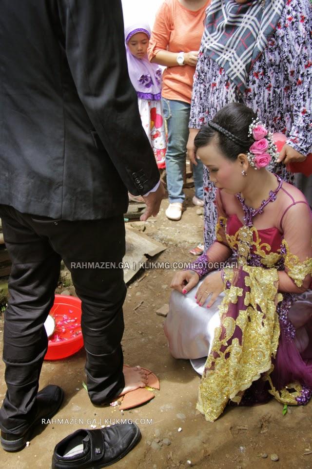 Panggih Temanten pada Pernikahan Rahma & Zen [rahmazen.ga] | Foto oleh KLIKMG.COM Fotografi