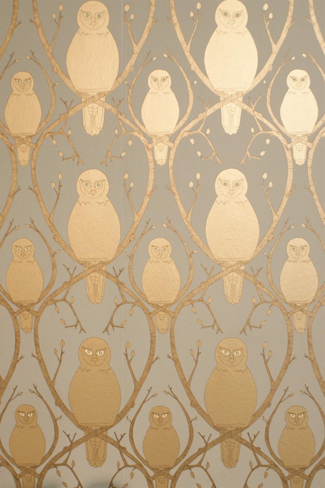 Jessica light october 2011 for Gold wallpaper for home