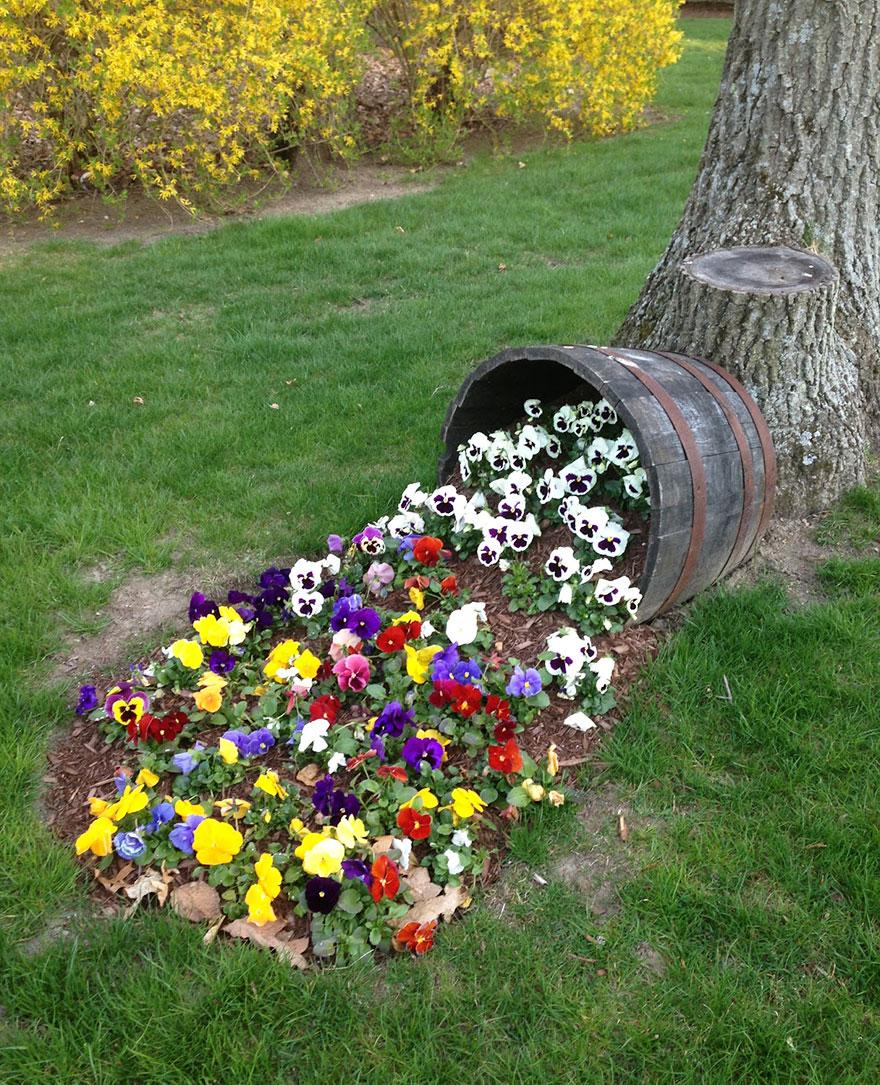 Famosos Levepedia: 15 vasos de flores derramando flores em seu jardim  BU86