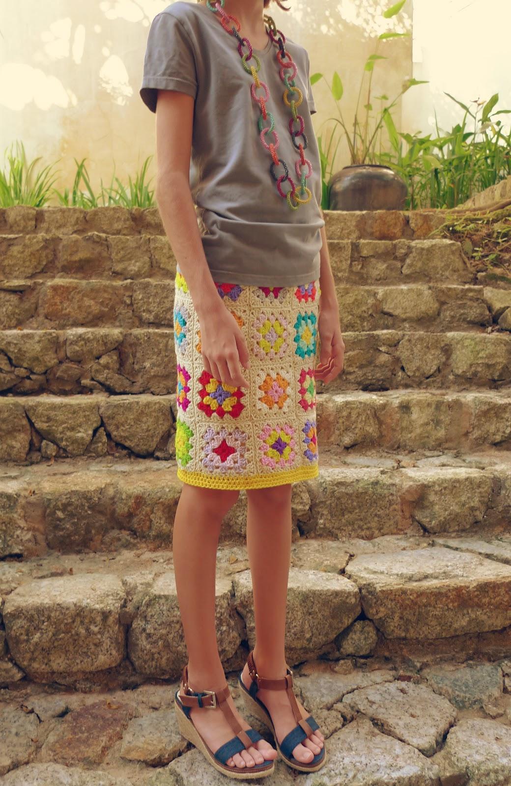 Прямая вязаная юбка крючком из квадратов, схема вязания 100