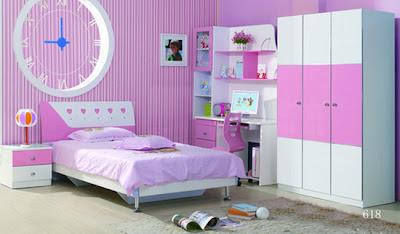 habitación color púrpura