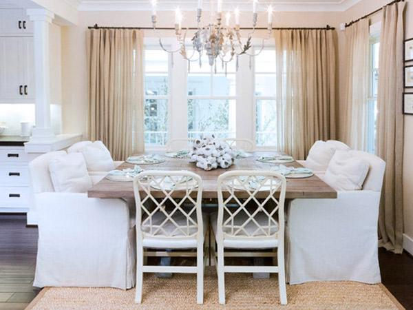 Ruang Makan Modern Klasik yang Cantik dan Mempesona