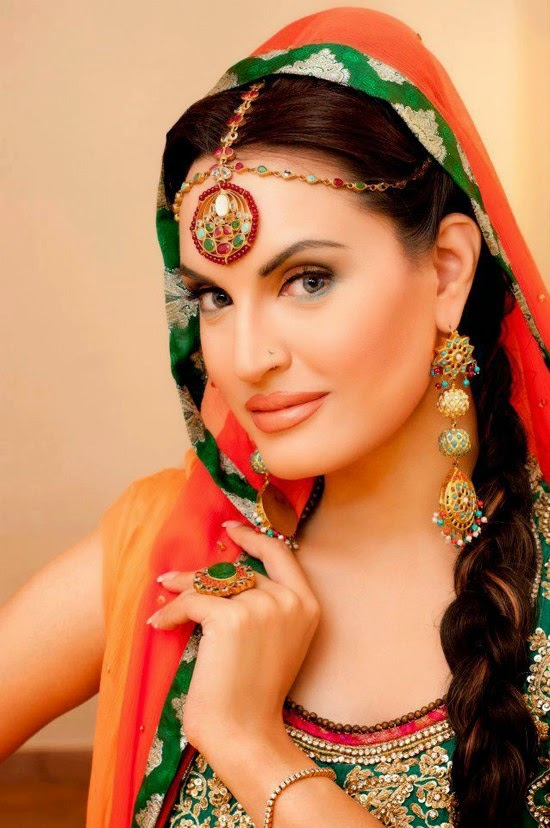 Nadia Hussain HD Wallpapers Free Download