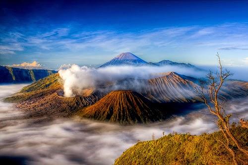 89  Nama Gunung di Indonesia Beserta Letaknya