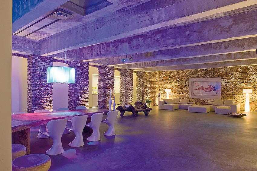 imagine these loft interior design warehouse conversion. Black Bedroom Furniture Sets. Home Design Ideas