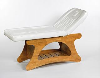 http://www.sunesteticstore.it/attrezzatura-estetica/lettino-massaggio-in-legno-per-massaggi-benessere-e-centri-estetici-estetista.html