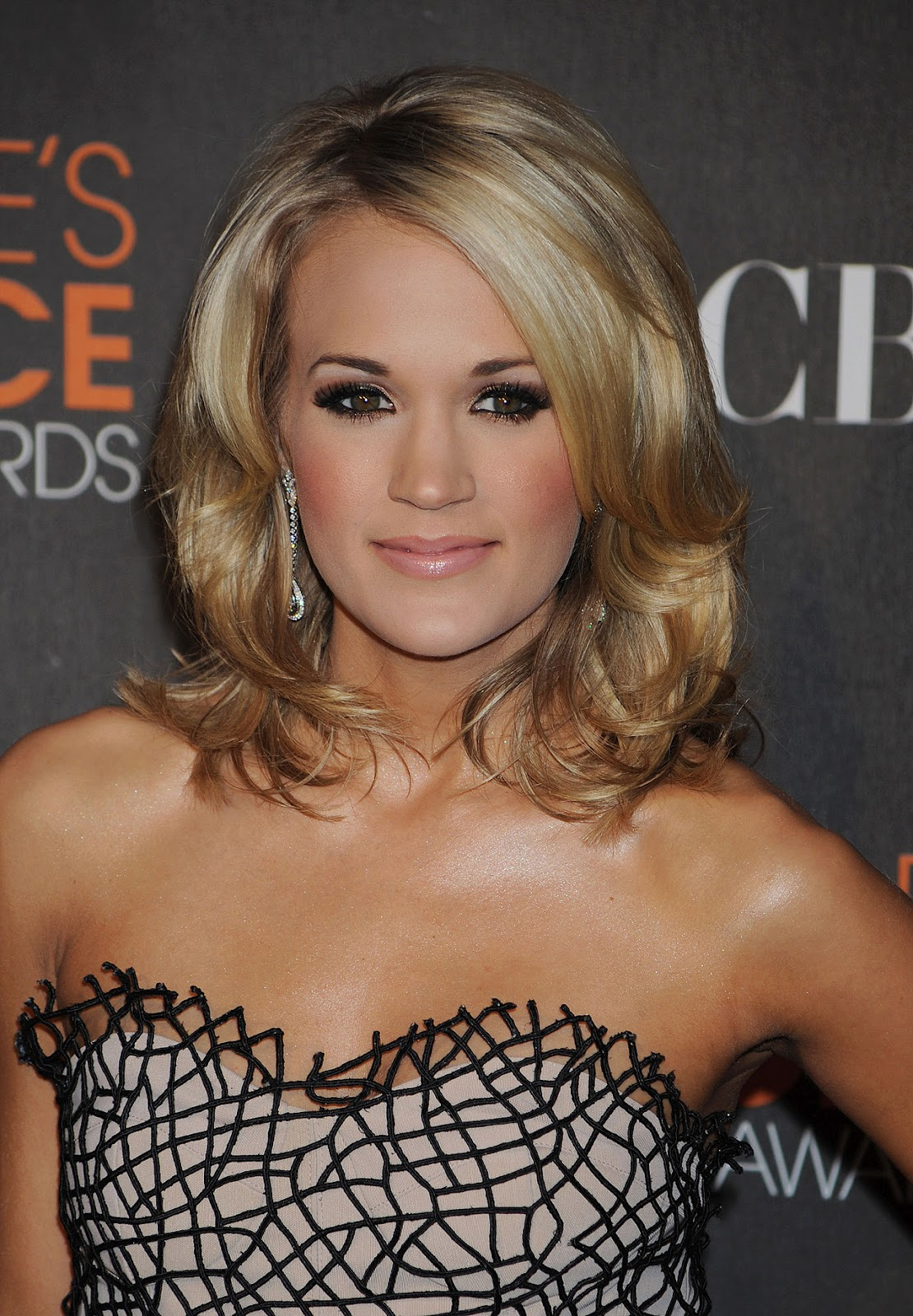 http://4.bp.blogspot.com/-6MD8COh9oWw/UEvyIWbLwiI/AAAAAAAARCk/4lGq0v-u9tg/s1600/Carrie+Underwood+Country+Beautiful.jpg