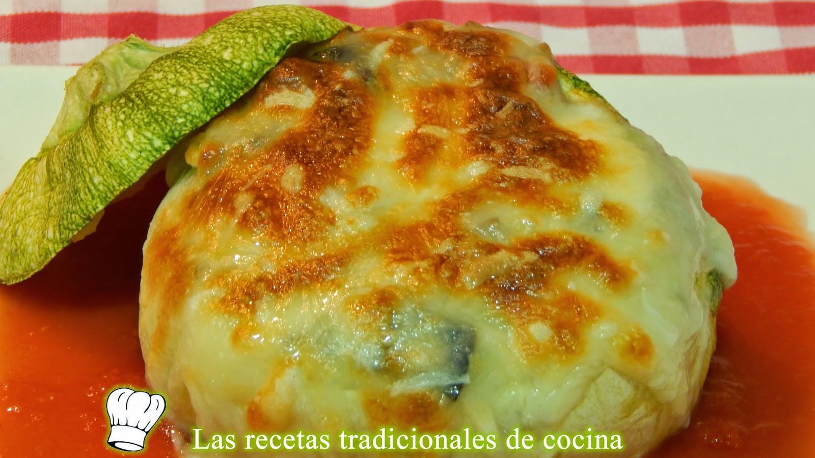 Calabacín relleno de verduras con bechamel