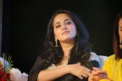 Anushka shetty glamorous photos-thumbnail-19