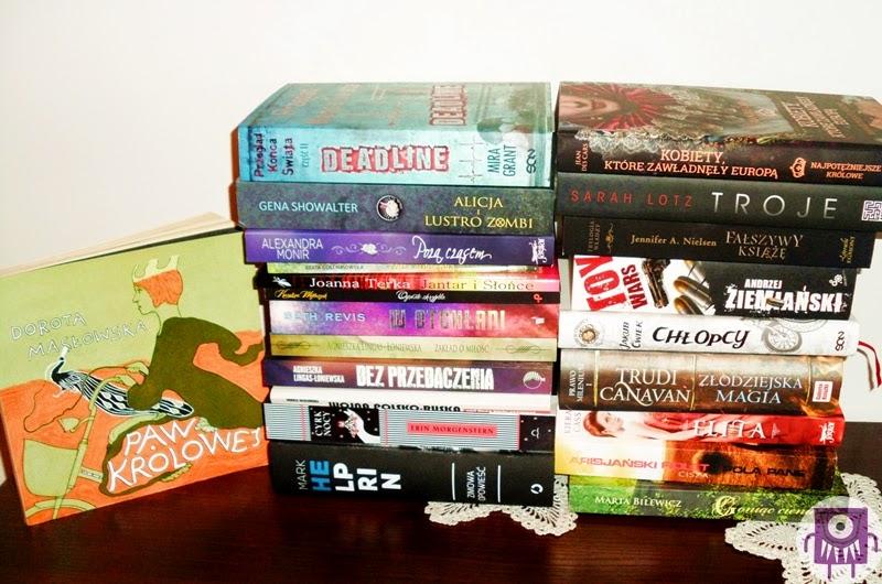 Stos książek Ostatni rozdział Natalie Rosa