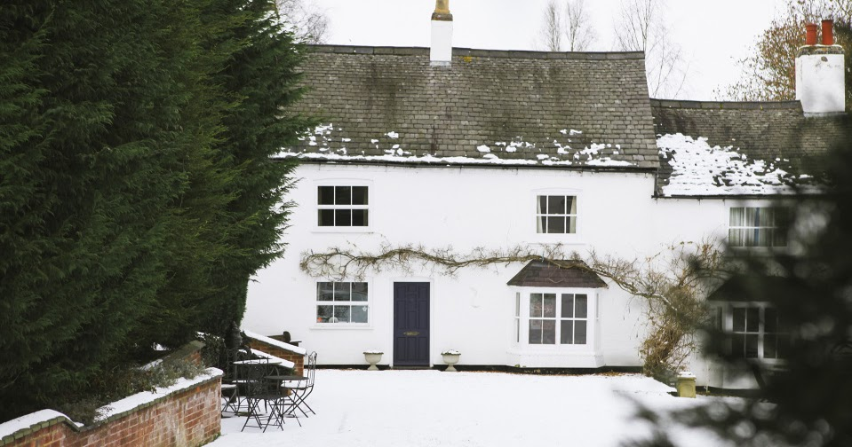 Content In A Cottage Amazing Colonial With Snow