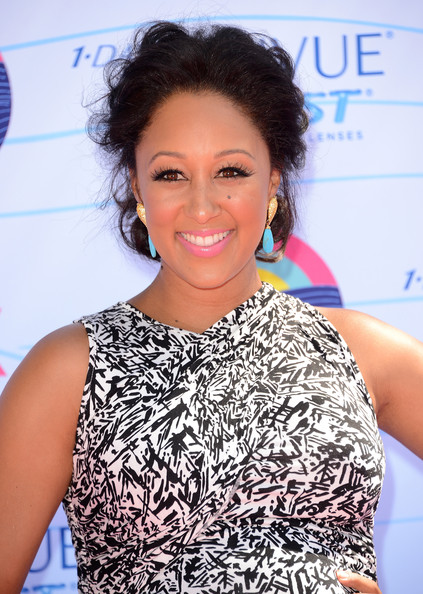 And we can't help but gush over how cute Tamera looks pregnant!