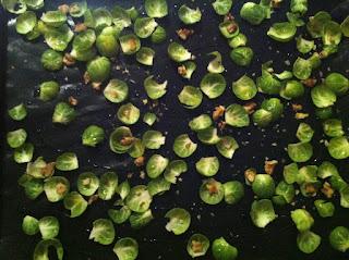 feuilles de choux de Bruxelles avant la cuisson