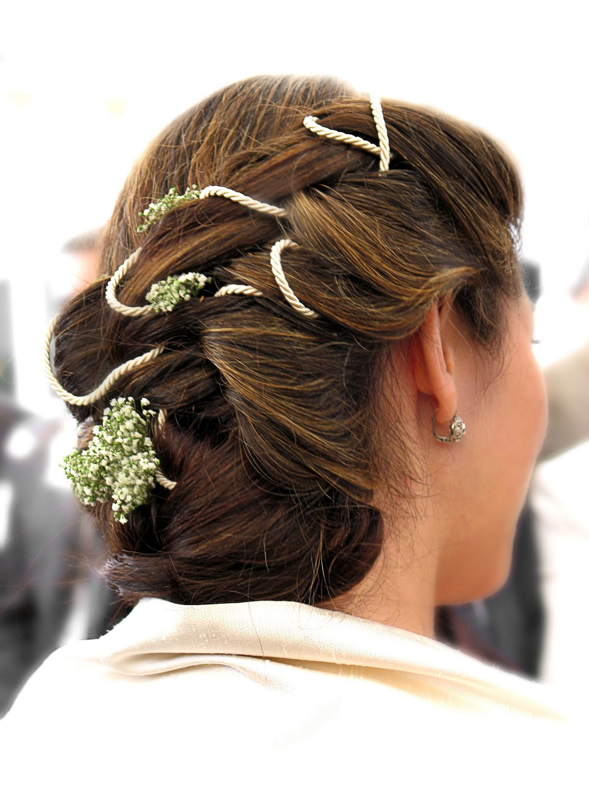 Summer and Spring Hair Styling Tips for a Gorgeous Wedding Hairstyle