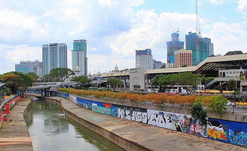 Unique KL Graffiti along the Klang River