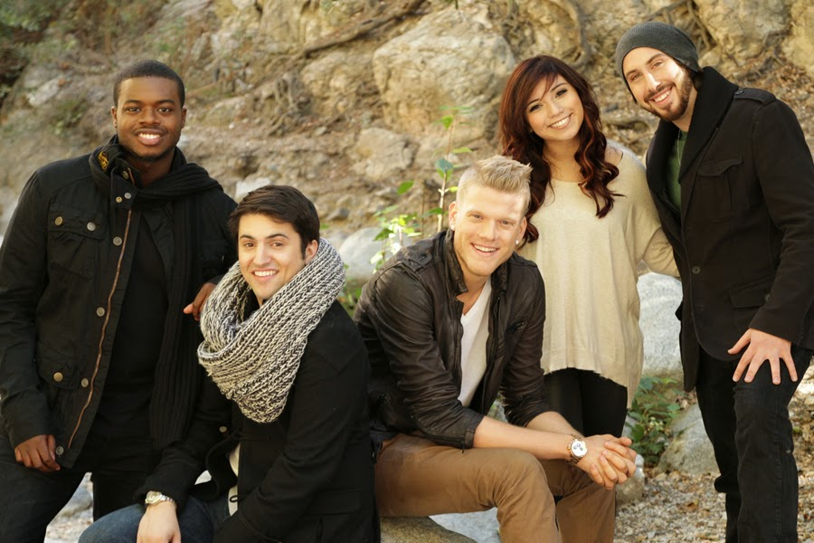 Are the two guys in pentatonix dating
