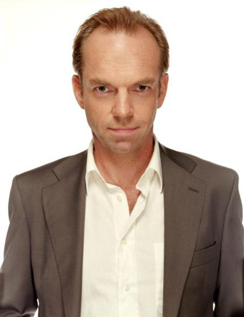 Hugo Weaving Net Worth